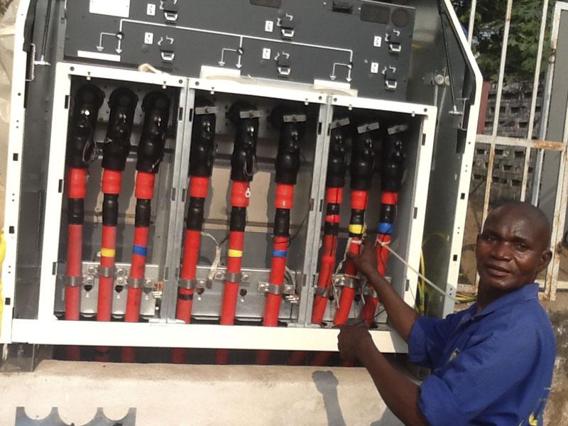 Ingénieurs et techniciens Africains